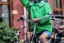 Kinderzitjes / Fietszitjes zijn er vele maten en soorten! Ons aanbod begint al met de maxi-cosi en gaat tot de zadel op stang en de add+bike!