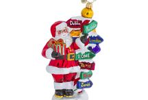Around the World / Santa's a seasoned world traveler - he goes all over the globe every Christmas Eve! Are you a globetrotter too? Put your travel plans on your tree this year!