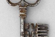 κλειδιά ~ κλειδαριές