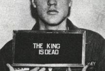 The King is dead / Elvis Presley