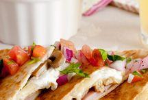 quesadillas o tacos mexicanos