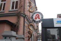 uithangborden - Duitsland / zelfgefotografeerde uithangborden aan huizen, winkels, etc