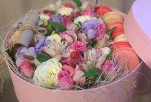 Цветы и macarons / Создание коробочек с живыми цветами и macarons