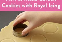 How To Decorate Cookies / Get some amazing ideas for decorating cookie on this board! We found many tutorials on how to use cookie cutters for more than just the shape they were intended for. Explore our collection of cookie cutters here: http://bit.ly/2dnl4PN