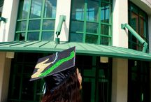 Graduation Picture Ideas! / by Becca Garzon