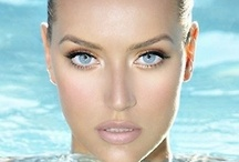 Cosmetics, fragrances, makeups tips, and helpful hints for a flawless face and body / Products and invaluable lessons/tips for a glamorous or natural look / by Carol London