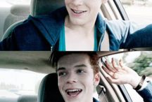 ✌ IAN GALLAGHER ✌