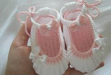 ♥♥♥SAPATINHOS DE TRICOT E CROCHET♥♥♥ / by Darah Baskin