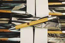Bolígrafos Personalizados / Boligrafos promocionales, bolígrafos publicitarios, bolígrafos personalizados con la mayor calidad. Visita los modelos de bolígrafos personalizables que te ofrecemos en Chapea.com: https://www.chapea.com/boligrafos-personalizados/