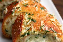 Pão de alho com requeijão cremoso