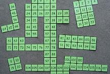 Matematyka_całe tablice/ różne poziomy, obszary / Wyświetlane tutaj piny matematyczne pochodzą z tablic, na których wszystkie piny są wartościowe i dotyczą różnych poziomów i obszarów (ale z powodu ich dużej ilości nie zostały przypięte do odpowiednich tablic).