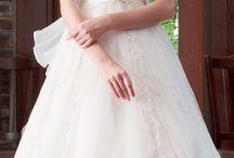 ドレス・和装など【ウェディング】 / 当ホテル、提携ドレスショップ・ブライダルハウスツツミのお衣装のご紹介です。