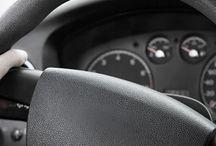Rijopleiding Amsterdam / Een goede rijopleiding is de basis voor een veilige toekomst op de weg. Het gaat erom dat je goed en verantwoord leert autorijden en niet dat je 'even' het rijbewijs haalt. Het is verstandig om vooraf te bepalen wat voor soort rijopleiding je wilt volgen. Wil je zo snel mogelijk op pad of heb je alle tijd met het behalen van het rijbewijs? Hoe snel je je rijbewijs haalt is geheel afhankelijk van wat jij wilt. Snel je rijbewijs halen kan ook: bijvoorbeeld in 5 tot 7 weken.