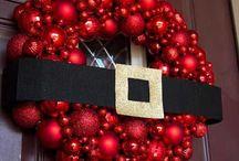 coronas y puertas de navidad