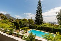 Ultimate Cape Town Holidays / Most amazing villa rental in Cape Town. Directly on the slopes of Table Mountain- would love to see how the mountain changes with its cloud tablecloth during the day! And city and seaviews...