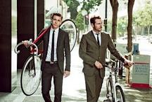 Gentlemen en bici / Fotos de usuarios de bicicleta urbana... Chicos chic.