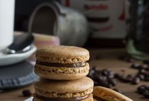 Macaron Recipes / Recipe inspiration for making macarons with lots of ideas for flavours, fillings and extra sprinkly bits on the outside too!
