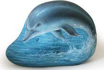 Камни дельфин