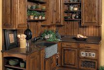 Деревенские кухонные шкафы
