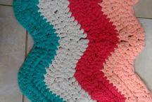 mis creaciones / así va el bolso en trapillo, punto bajo en crochet