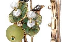 Jewellery, mostly Art Nouveau