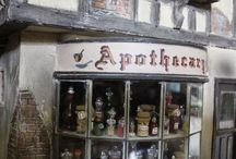 Potter World in Miniature / Harry Potter Related Items on a Smaller Scale