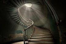 Escaleras al cielo & el infierno / escaleras para subir o bajar según el día