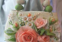 bolsas com flores de cetim
