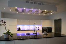 Afzuigkappen van aXiair BV / Hier vindt u de afzuigkappen van aXiair gemonteerd in moderne keukens. Exclusief verkrijgbaar via aXiair BV  www.axiair.nl info@axiair.nl