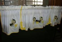 Cortinas e bandôs  / Cortininhas e bandôs para cozinha bordados e feito sob medida