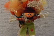 Fall Ambiance / Going to someone's for Thanksgiving dinner? Want a little something festive for the office?