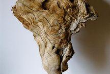 Escultures amb fusta