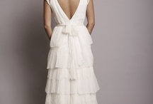 Spatele elegant al rochiilor de mireasa