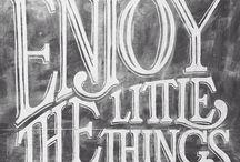 < < Typography > >