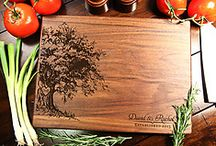 Best Personalized Cutting Board Gift Ideas / Personalized Engraved Cutting Boards for weddings, mothers day, christmas, anniversary gifts, fathers day, house warming and other presents