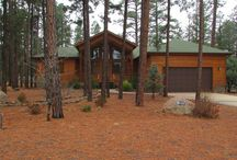 Pinetop Lakeside AZ Vacation Rental / www.LakesideAZcabin.com 1900 sq ft vacation cabin rental located in Pinetop-Lakeside, Arizona. Split floor plan features 3 bedroom, 2 bathrooms with king bed in master, queen in 2nd bedroom and 5 person bunk bed in 3rd bedroom (twin over full w/full trundle). No pets or smoking permitted.