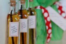 Homemade Gifts / by Carissa Saia