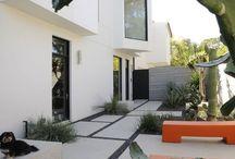 House outside/ garden/ pool
