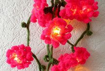 Svietiace kvety z mašiel