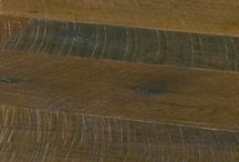Antique Reclaimed Oak Old Original / Our most rustic floor for those who desire something with an authentic look and feel. The face is 100% covered in saw kerf and has the dark patina of centuries old wood.