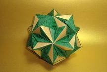 Origami Kusudama / by Fernanda Gomez
