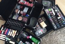 Must haves for hair and make up kit