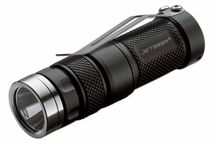 Flashlights / For the photon fanatics: high output LED flashlights in various formats.