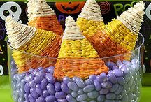 Halloween Sweets & Treats / Dig into a smorgasbord of Halloween sweets & treats in a variety of themes! Whether you want cute & friendly or creepy & gruesome, there's an idea to fit any Halloween party & monster appetite!