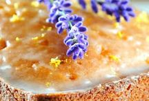 Cakes / by Robyn Gartrell