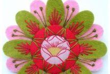 kwiaty filc i guziki