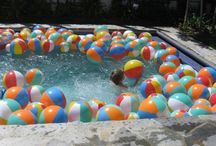 Inflatable Pool Toys / Pool lounges, floats, inflatable pool toys and accessories.