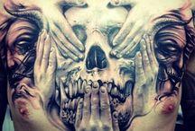 Brust Tattoo