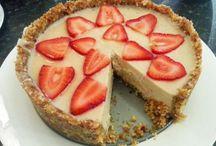 Vegan cheesecake and pies