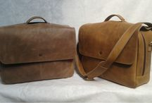 Men Leather Bag / Discover men's bags with MOSTRA.CO & MENLEATHERBAG. From a classic leather weekend bag to a backpack or messenger bag, shop mens bags with MOSTRA.CO & MENLEATHERBAG.   083821919394   PIN BB 7CC0A2E4